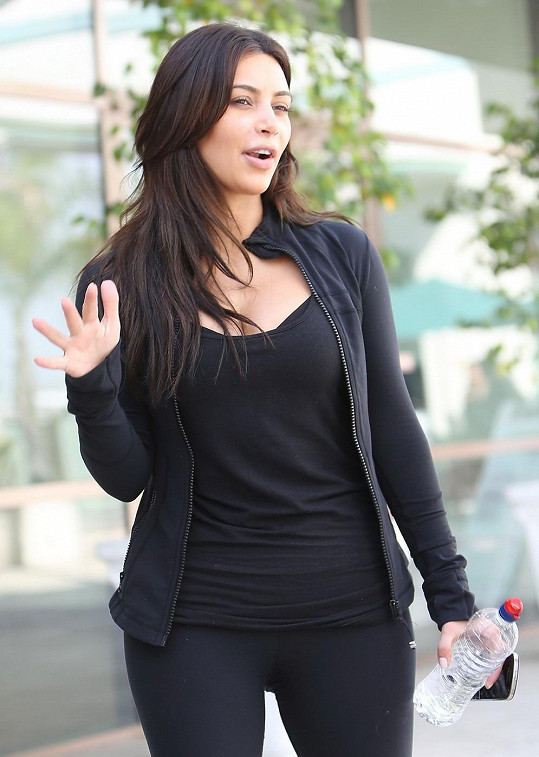 Kardashian ve sportovním outfitu