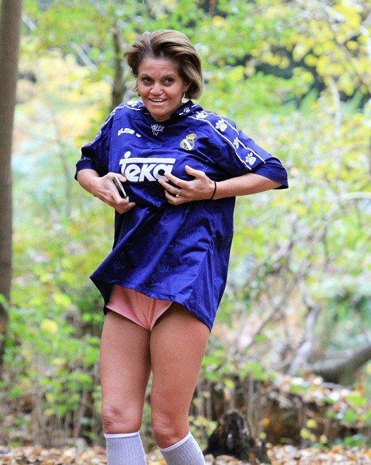 Danniella vyrazila do lesa.