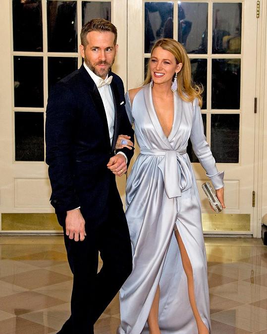 Herečtí manželé navštívili prezidenta Obamu v jeho sídle.