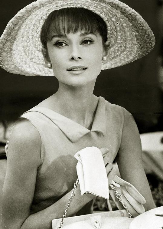 S Audrey Hepburn měl John pletky udajně ještě za svobodna.