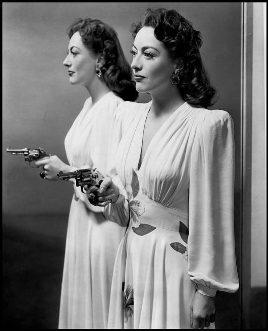 Proslýchá se, že legenda stříbrného plátna Joan Crawford namáčela svou pleť do ledové lázně každé ráno.