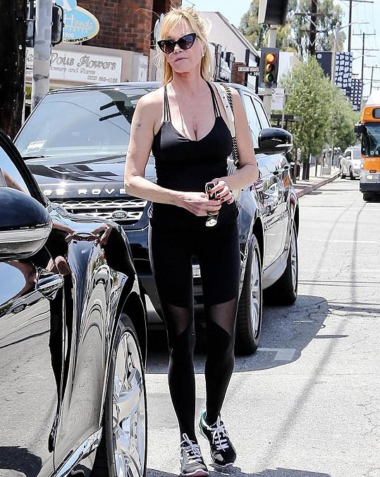 Griffith v ulicích potkáte téměř vždy ve sportovním outfitu.