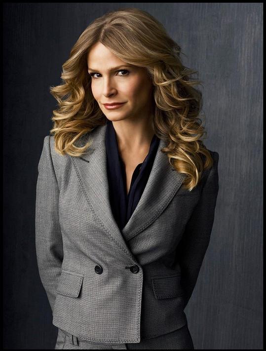 Herečka jako vyšetřovatelka Brendy Leigh Johnson v seriálu Closer
