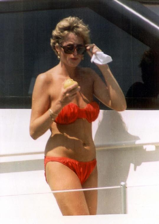 Princezna Diana na archivním snímku z dovolené
