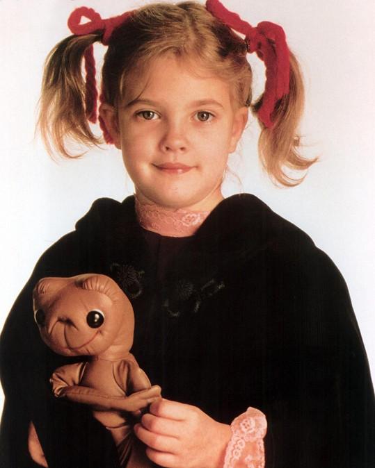 Drew Barrymore proslula jako děvčátko z filmu E. T. - Mimozemšťan.