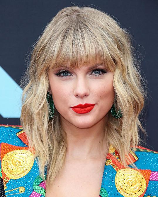 Tvář zpěvačky Taylor Swift je na 91,64 % dokonalá.