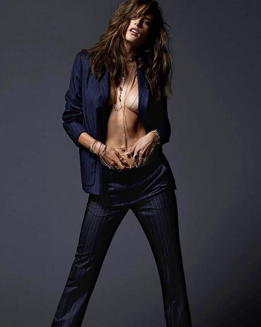 Alessandra Ambrosio je pořád žádanou modelkou.