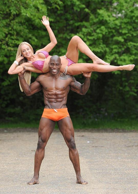 Don Akim a Rosanna Beckett mají svalů na rozdávání.