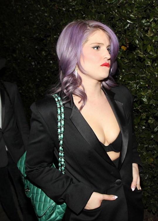 Kelly Osbourne v odvážném modýlku.