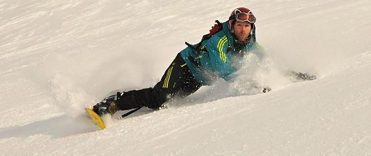 Před hokejem dává dnes přednost pohybu na horách.