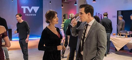 Emma se po čase objeví na filmovém plátně v komedii Jedině Tereza.