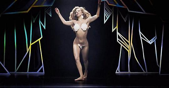 Klip k Applause je úlet, stejně jako většina toho, co Gaga dělá.