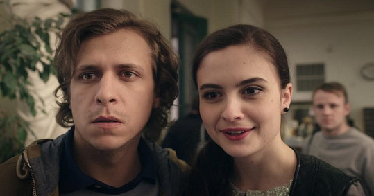Josefíková chodí ve filmu s partnerovým kolegou Tomášem Vorlem jr.