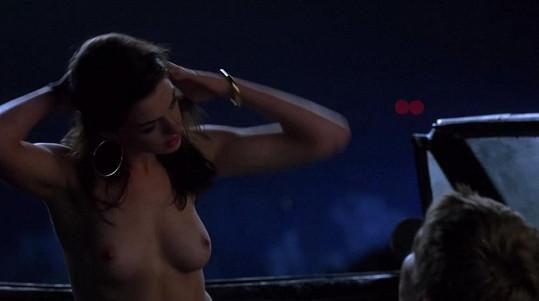 Herečka se objevila nahá hned v několika scénách.