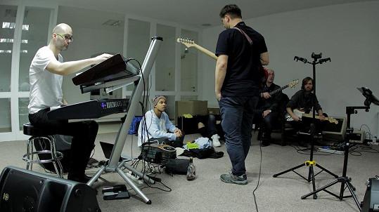 Kapela se připravuje na Benovo turné k desce Made In Czechoslovakia.