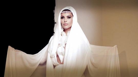 Kim Kardashian se stylizovala do role arabské ženy.