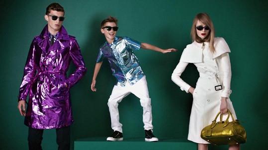 Romeo Beckham v reklamě pro Burberry.
