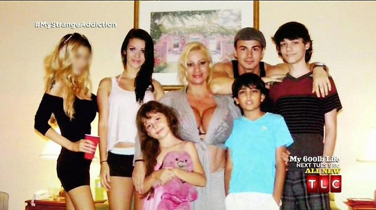Tohle je její rodinka.