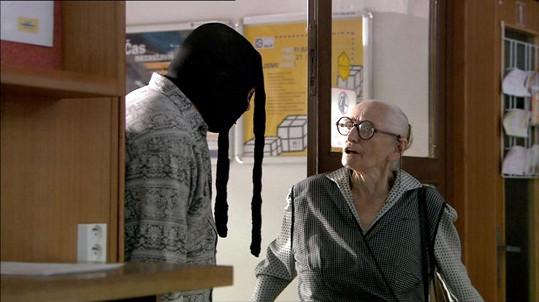 Anna Vejvodová alias babka Kropáčková v prvním Kameňáku