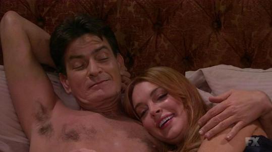 Nečekaná dvojka: Lindsay Lohan a Charlie Sheen v seriálu Anger Management.