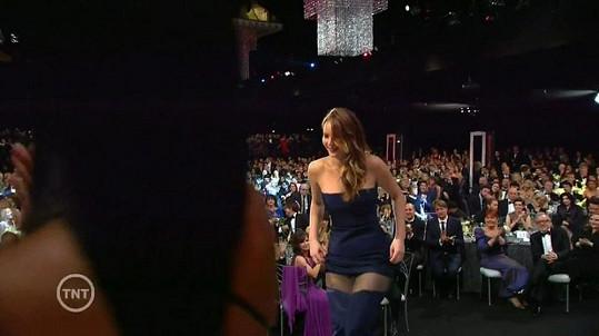 Jennifer Lawrence neplánovaně oživila celé předávání Screen Actors Guild Awards.