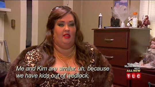 June v halloweenském převleku za Kim Kardashian