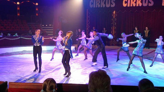 Markéta a Elis vystupovaly v cirkuse.