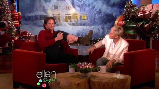 Bradley Cooper v pořadu Ellen DeGeneres.
