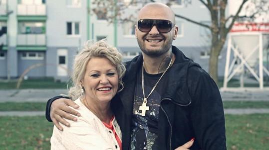 Patrik se svou maminkou Vlastou