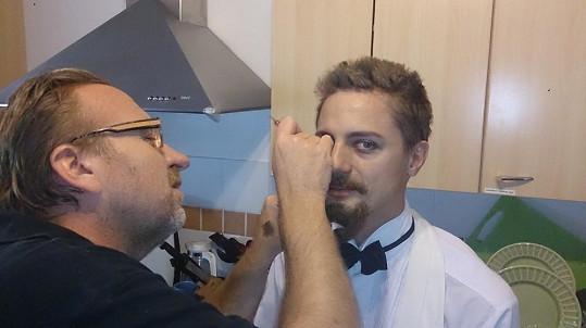 Na Ondrovi pracoval celý maskérský tým.