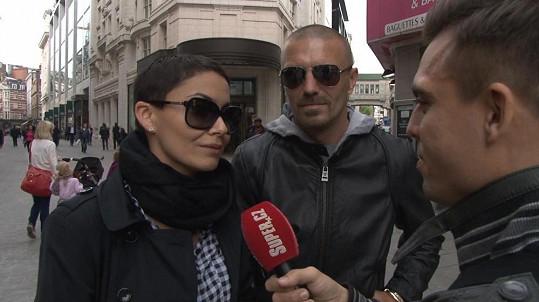 Reportáž s Vlaďkou a Tomášem, kterou jsme pořídili v ulicích Londýna, vám brzy přineseme.