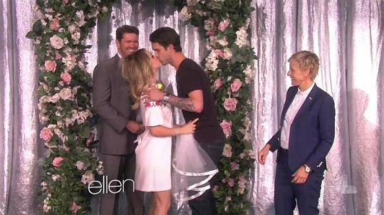 Televizní svatba Kaley Cuoco.