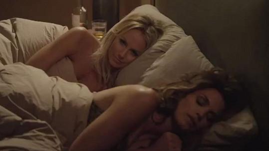U Cindy v posteli se následně objevila i Stacy Keibler.