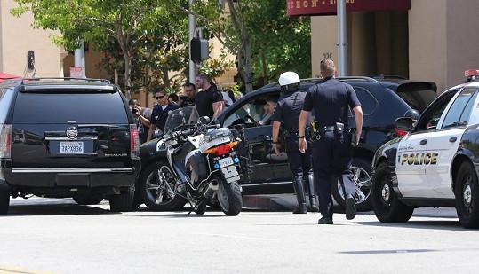 U nehody byli okamžitě fotografové i policie.