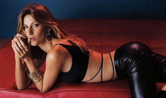 Modelka propaguje luxusní šperky.