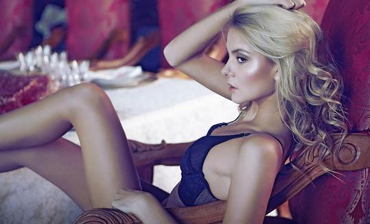 Josefína je velice krásná.