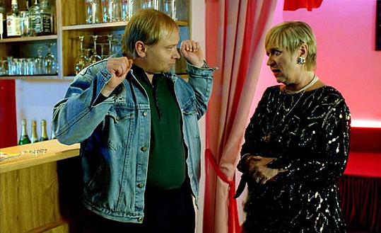 V jedničce s šéfkou nevěstince Jaroslavou Obermaierovou.