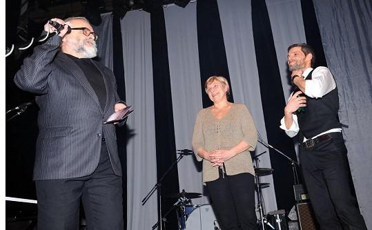 Jako kmotry si vybral Mikoláš své rodiče, kteří v den křtu slavili 35. výročí svatby.