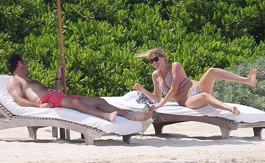 Modelka s přítelem Justinem na letošní dovolené