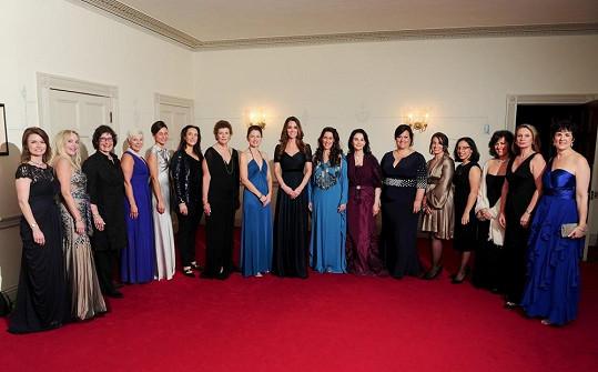 Princezna se sešla s ženami aktivně se angažujícími v charitě.