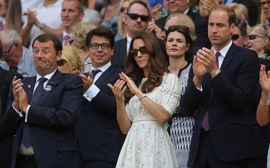 Zklamání Kate a William maskovali vlažným potleskem.