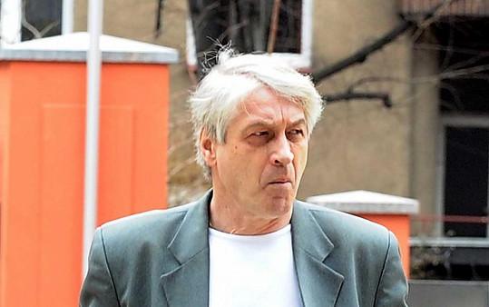Josef Rychtář se rozhodl pokazit hudební památku Ivetě.