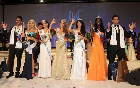 Všichni vítězové soutěže krásy pro neslyšící muže i ženy