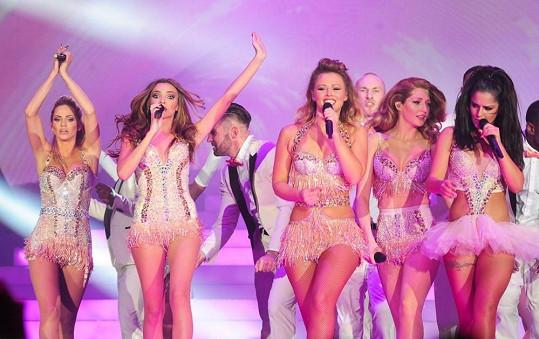 Deset let od svého založení oslavily Girls Aloud koncertní šňůrou nazvanou Ten.
