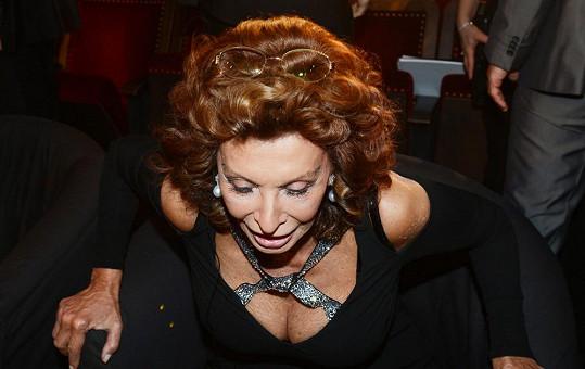 Sophia Loren a její dekolt.