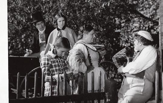 Ve filmu si coby dcera Heleny Růžičkové také zahrála.