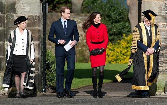 V roce 2011 se William a Kate znovu přišli podívat na místo, kde se seznámili...