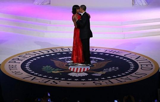 Inaugurace prezidenta vyvrcholila podle tradice tancem s první dámou.