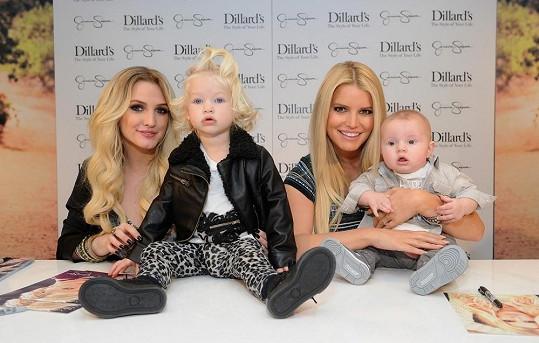 Jessica Simpson se sestrou Ashley a svými dětmi