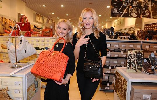 Livie se o svém plánu svěřila během společných nákupů s Táňou.